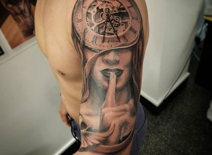 portsmouth-ink-tattoo-studio-etgar-clock-silence