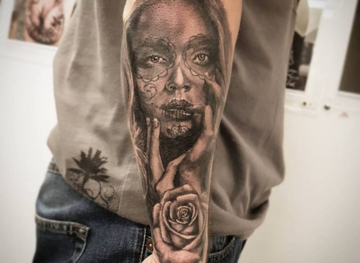portsmouth-ink-tattoo-studio-etgar-woman-rose